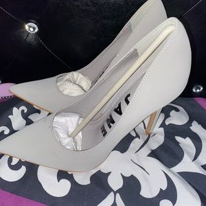 Gray pointy toe heels size 7.5
